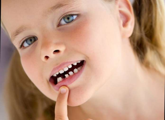 Traumi-denti-decidui-696x508